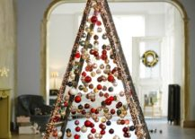 Easy-to-craft-and-minimal-structure-decorated-with-Christmas-ornaments-217x155