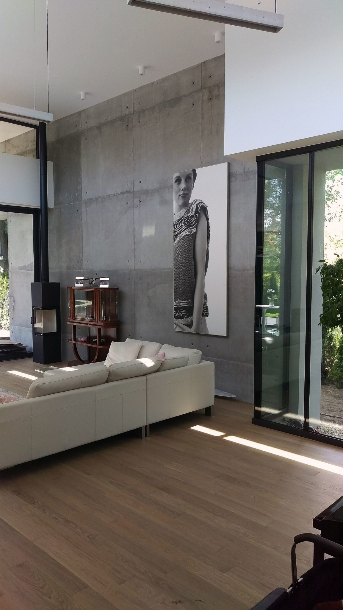 Exposed concrete accent wall for the modern living room