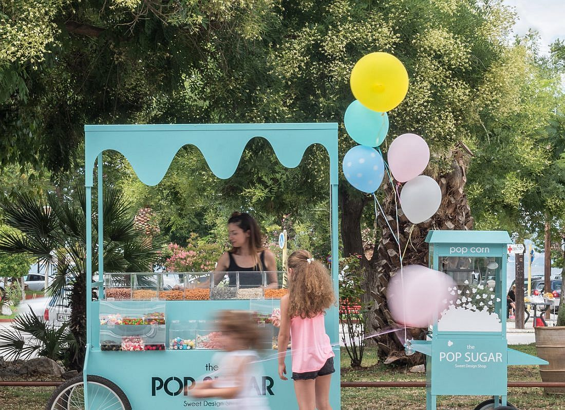 Fabulous-little-trolley-acts-as-an-attractive-extension-of-the-sweet-shop
