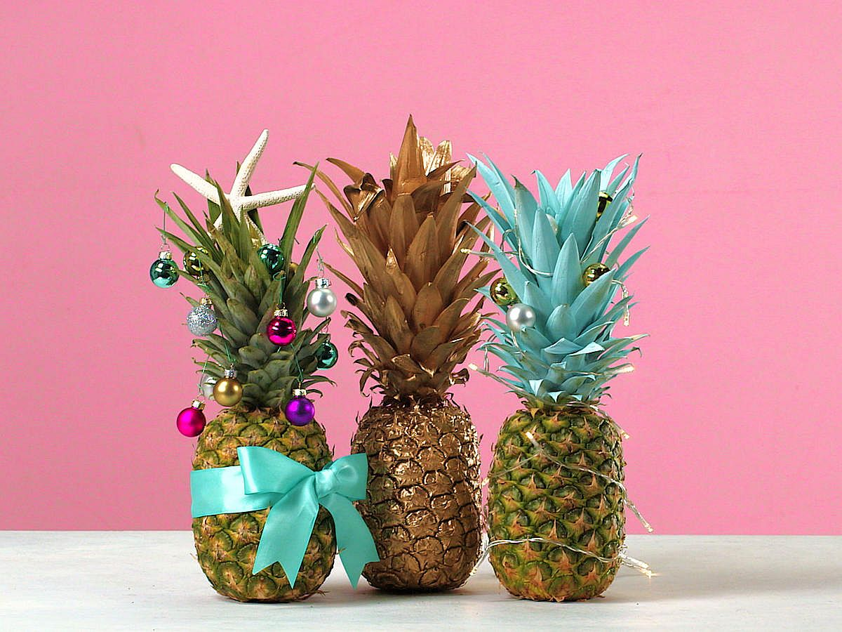 21 cool christmas tree alternatives including trendy for Ananas dekoration