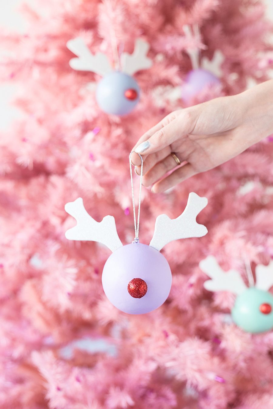 Rudolph Christmas Decorations.30 Affordable And Easy Diy Christmas Decorations