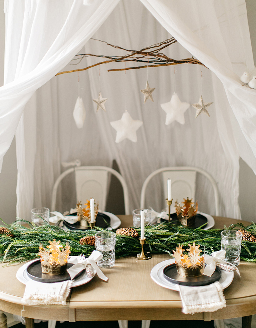 Kids' holiday table from Camille Styles