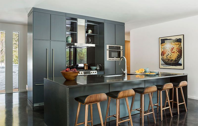 Modern kitchen in gray with a touch of minimalism