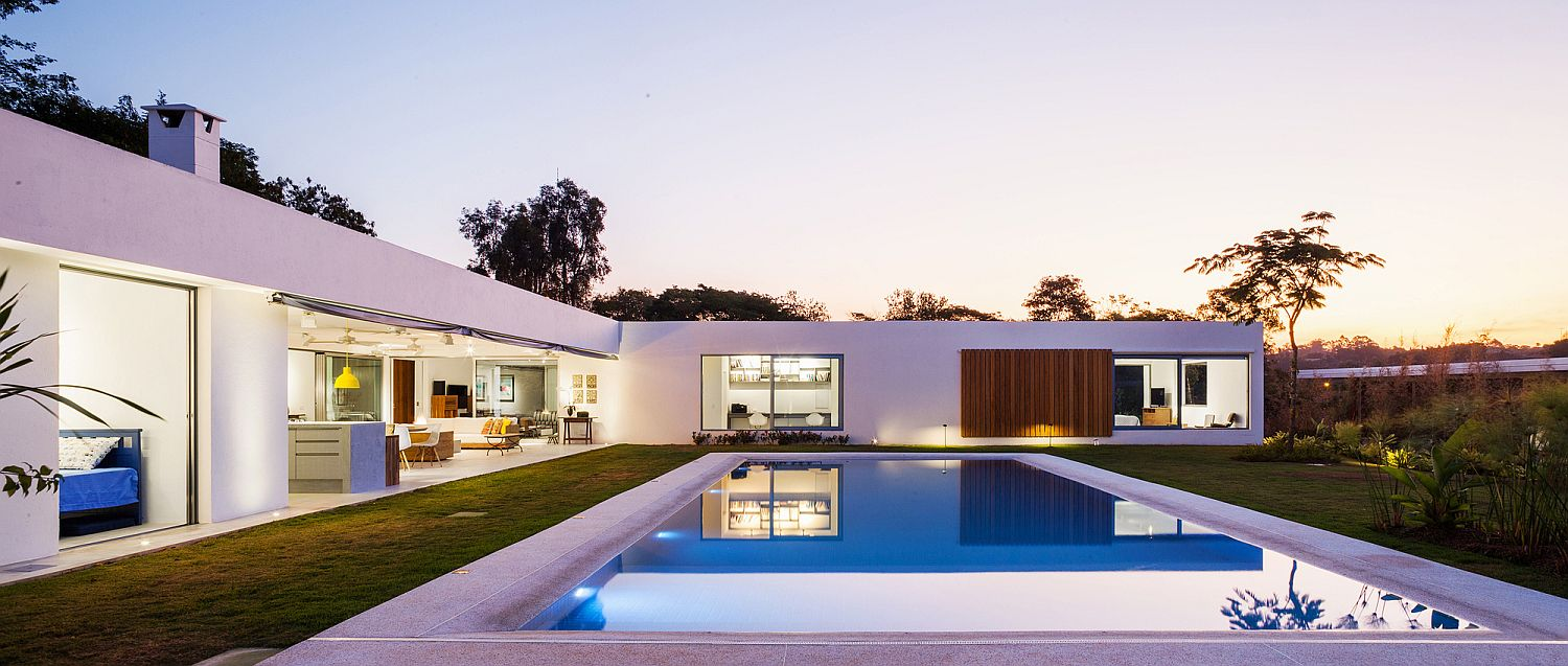 L Shaped Family Home Charms With A Stunning Private Courtyard And Pool