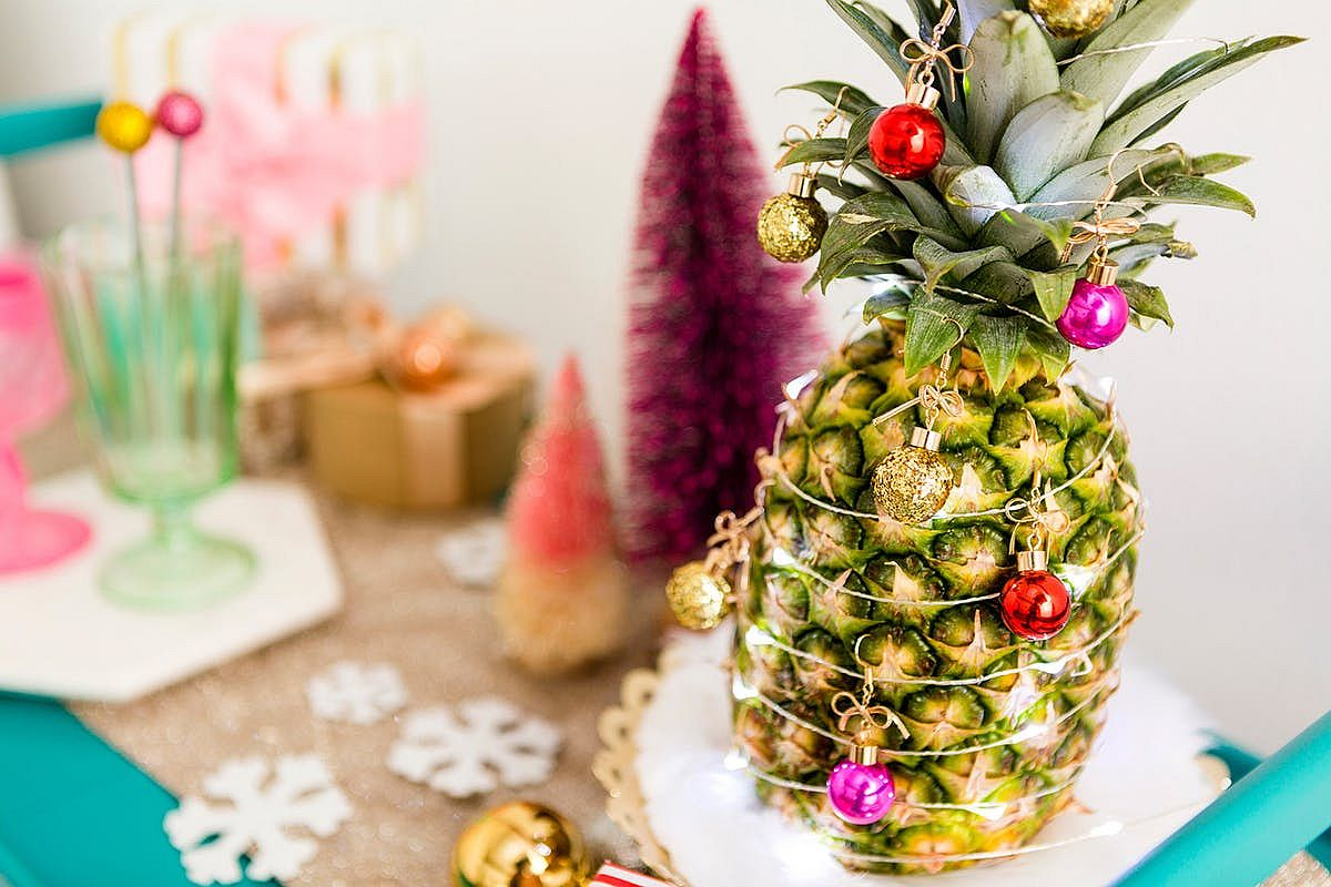Pineapple Christmas tree is a trendy way to cut back on decorating cost