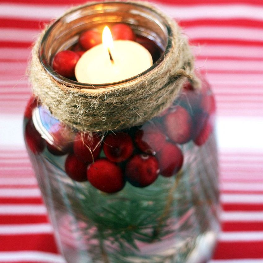 DIY mason jar Christmas candle (top view)