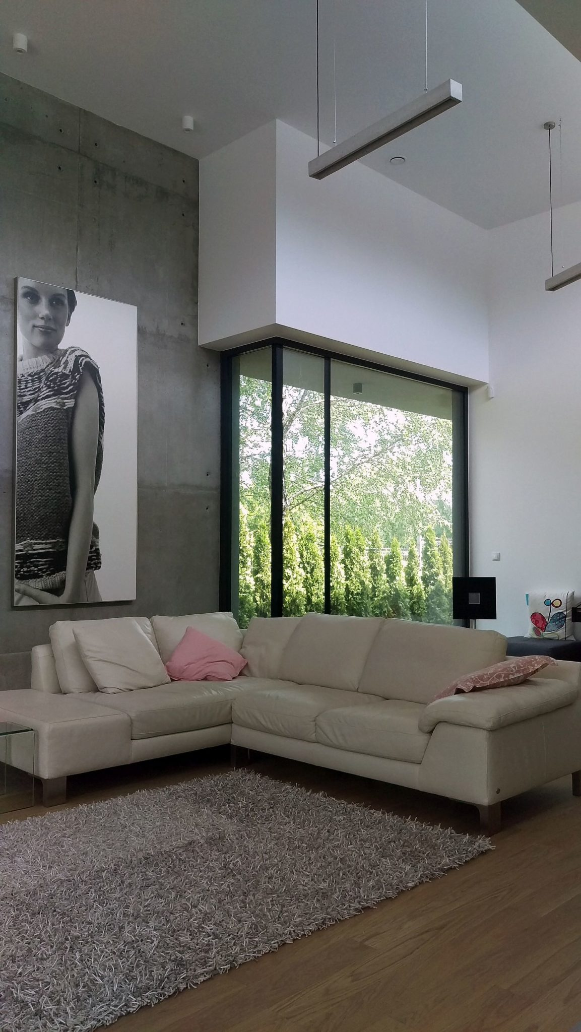 Sectional-couch-in-white-for-the-double-height-living-room