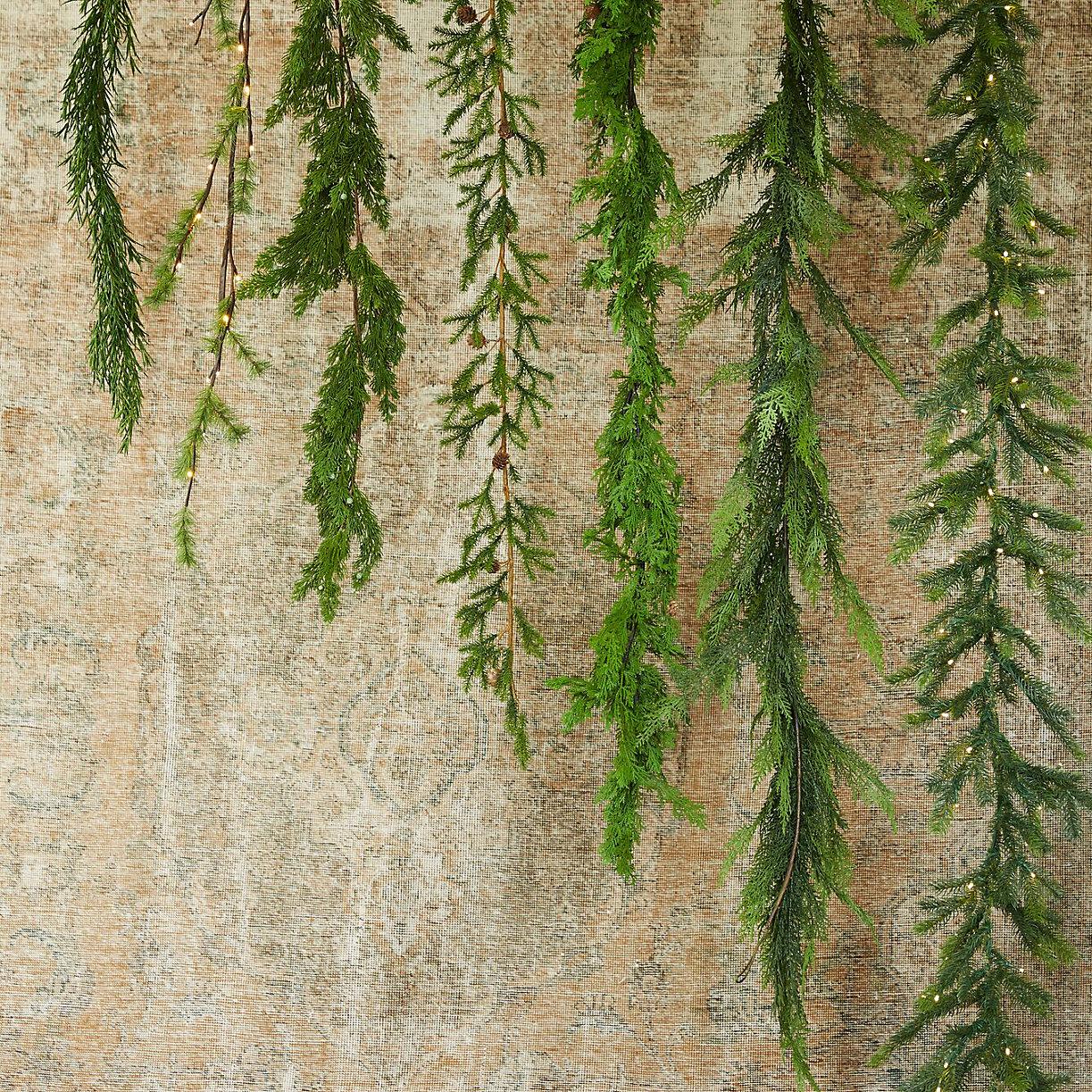 Series-of-garlands-from-Terrain