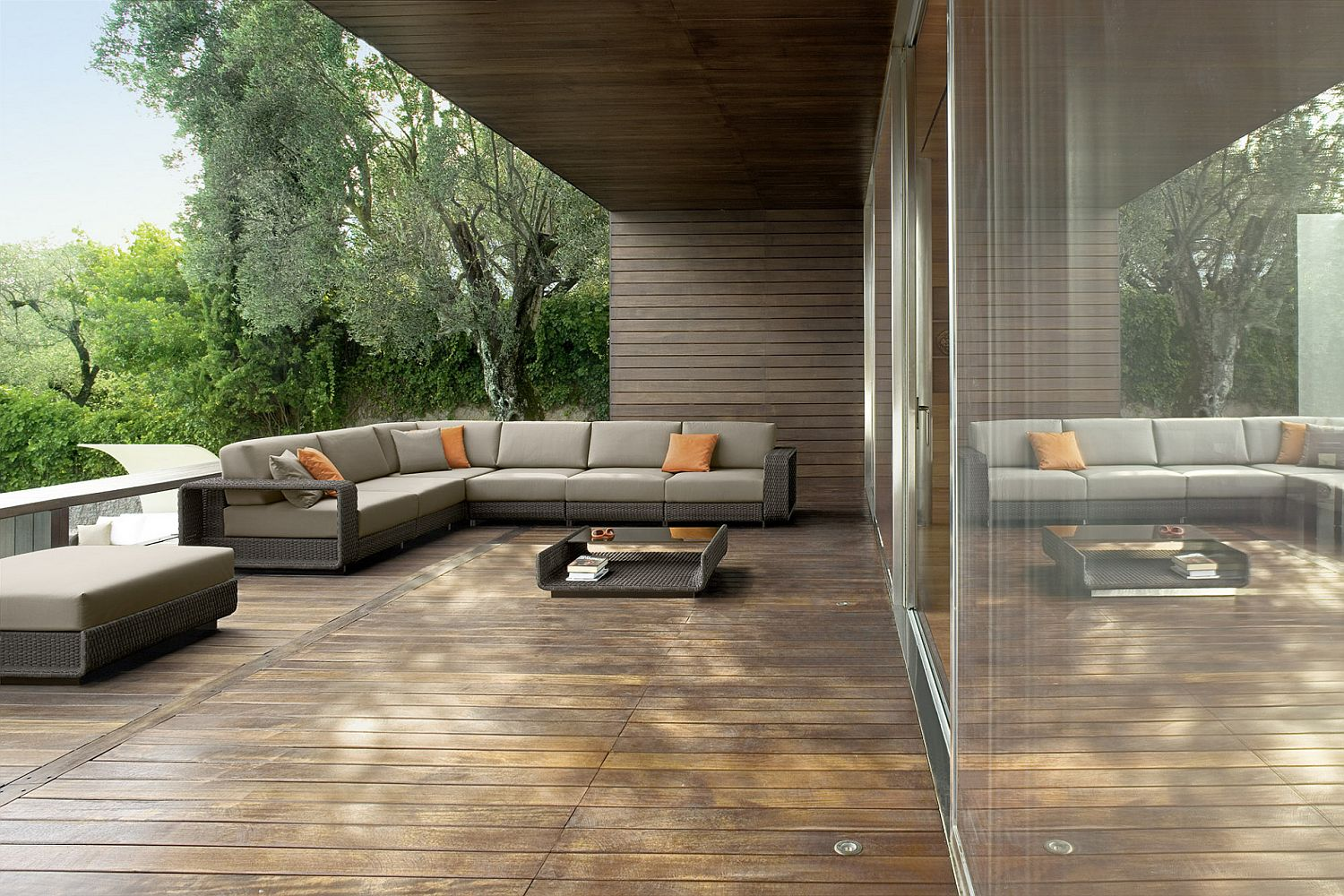 Minimal and sophisticated outdoor furniture collection for Sofa exterior rattan sintetico