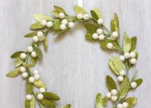 Velvet-DIY-Mistletoe-Wreath-217x155