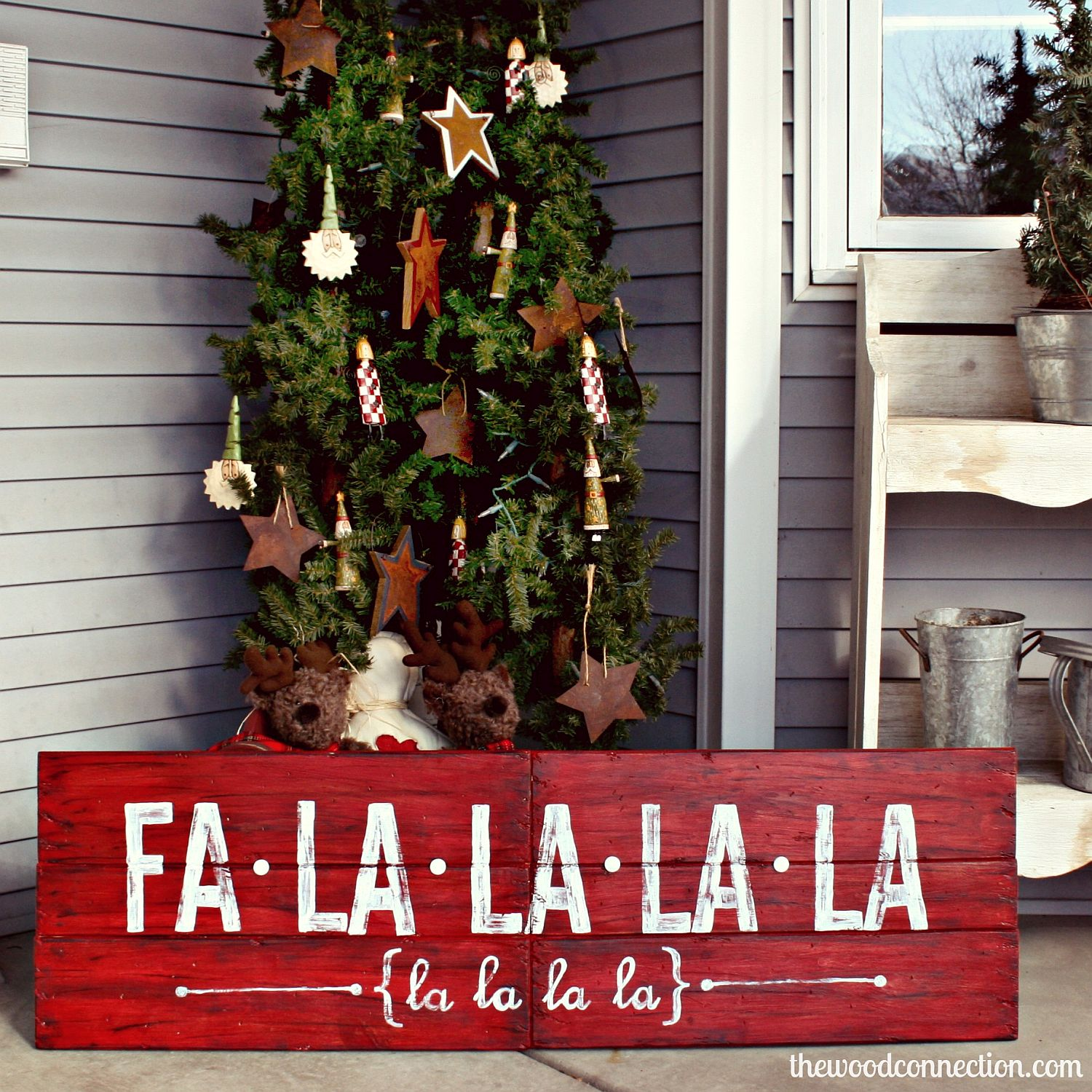 Vintage DIY Christmas sign in wood