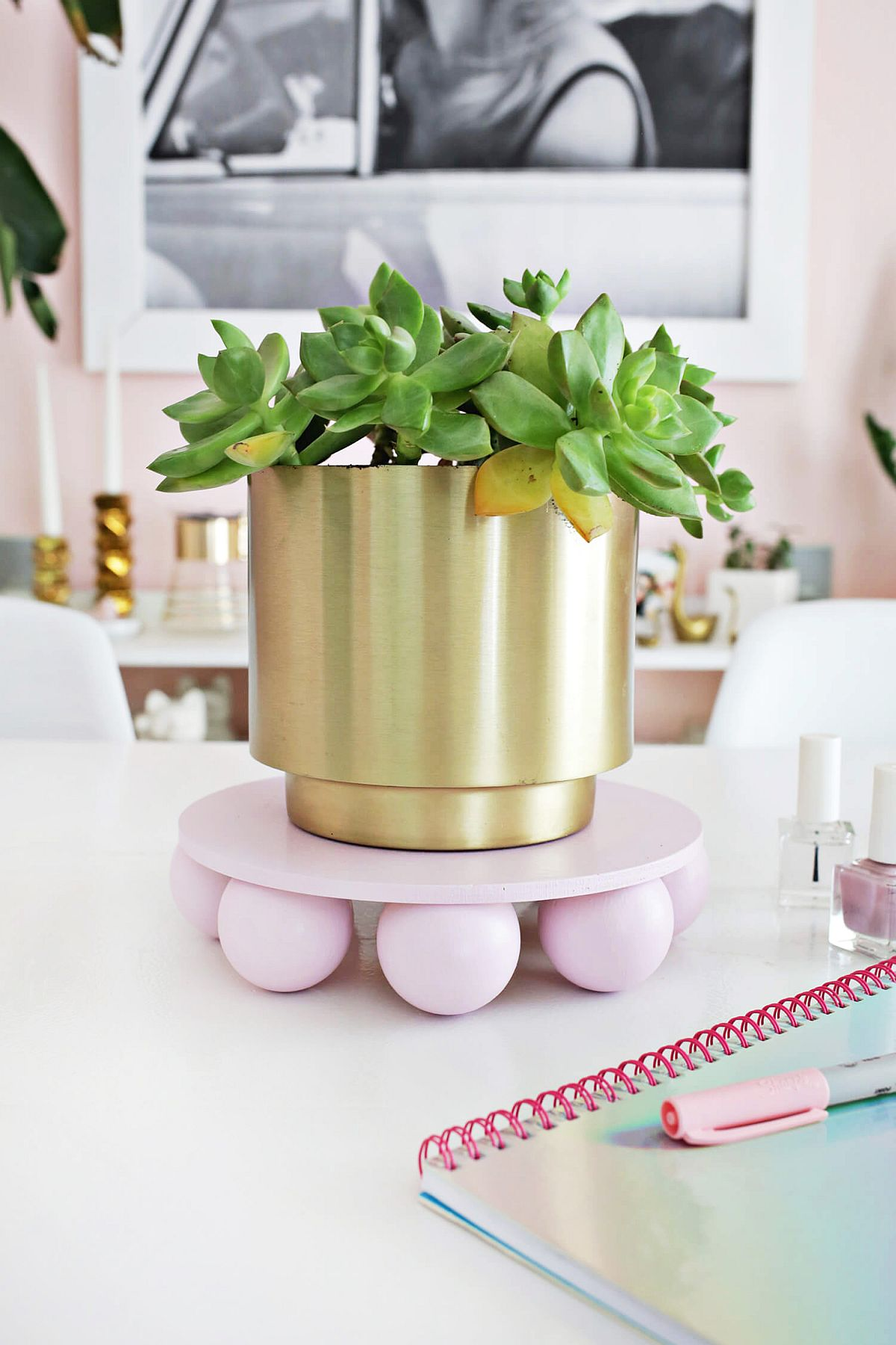 Wooden ball plant stand DIY