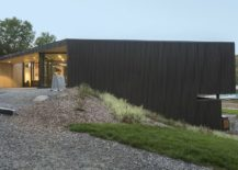 A-perfect-lakeside-retreat-built-for-activity-217x155