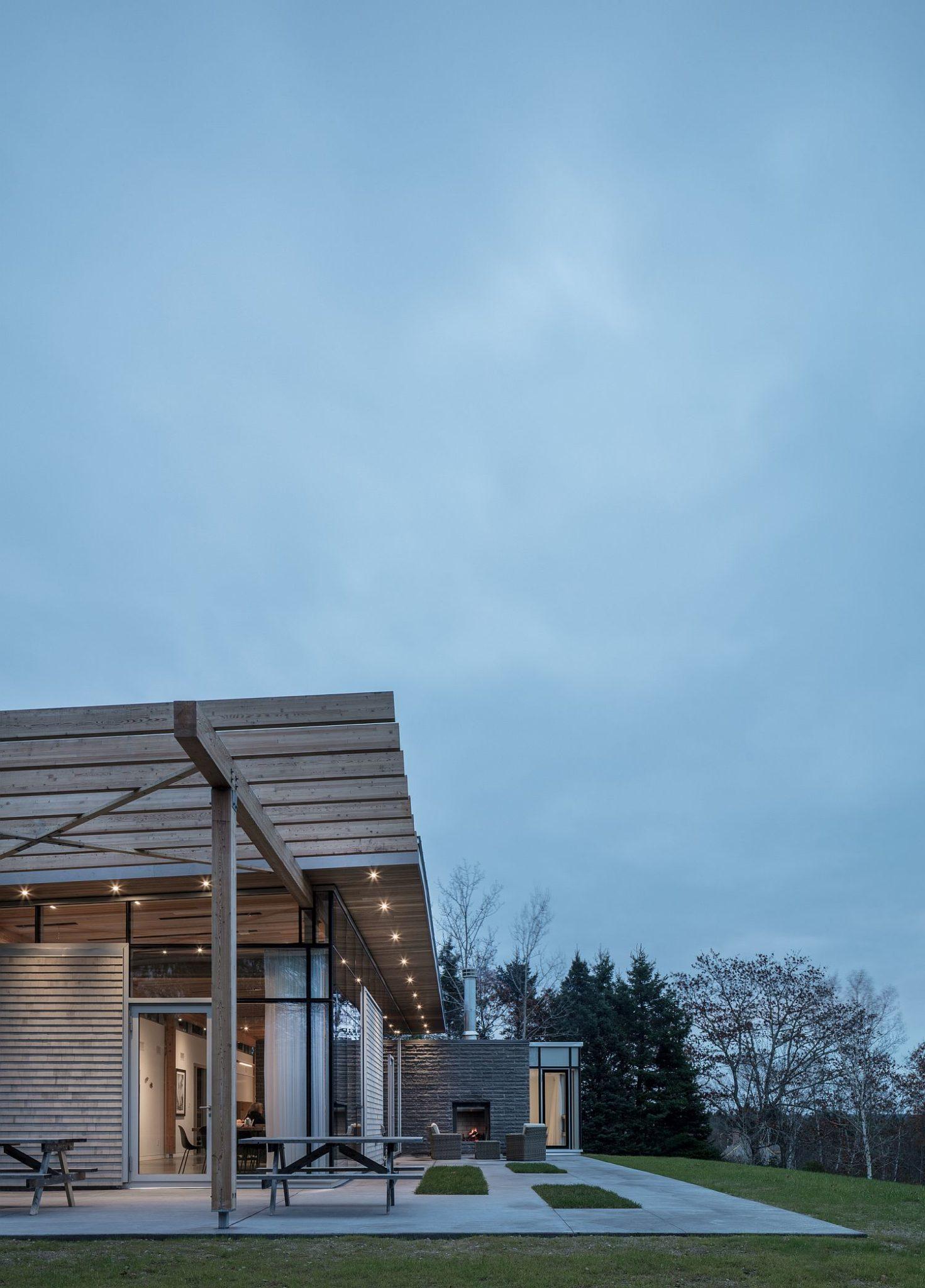 Beautiful recessed lights provide illumination around the house