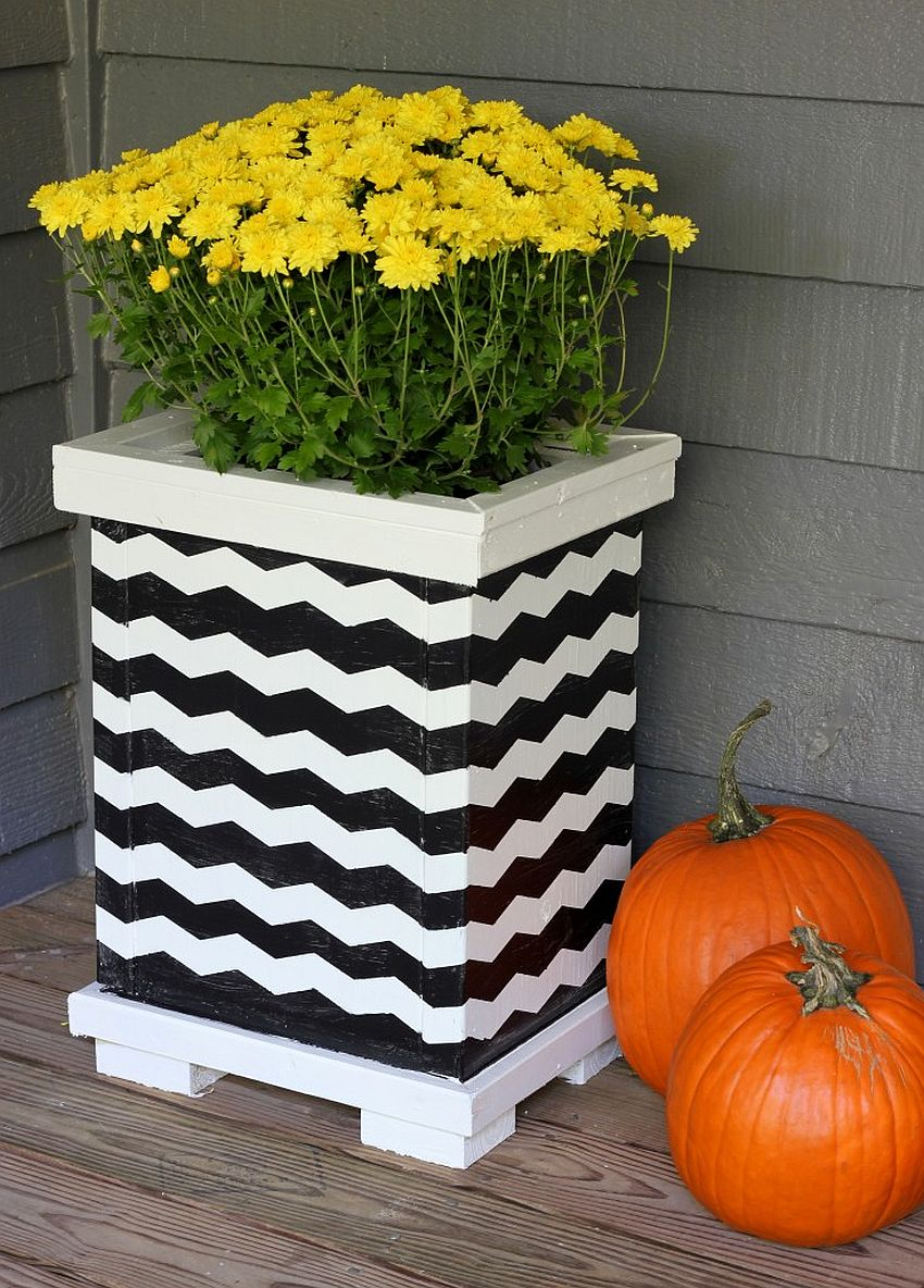 Building-a-DIY-chevron-pattern-wooden-planter