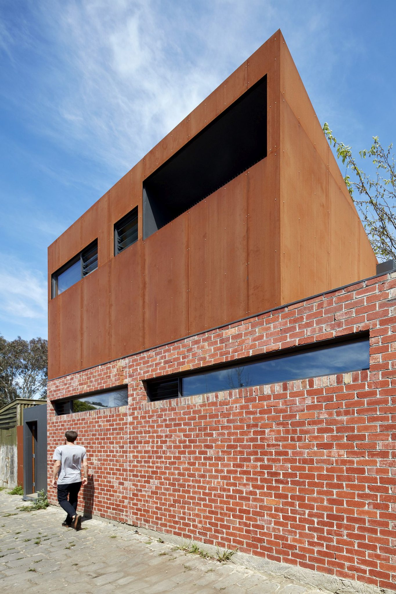 Classic-Melbourne-home-with-a-modern-addition