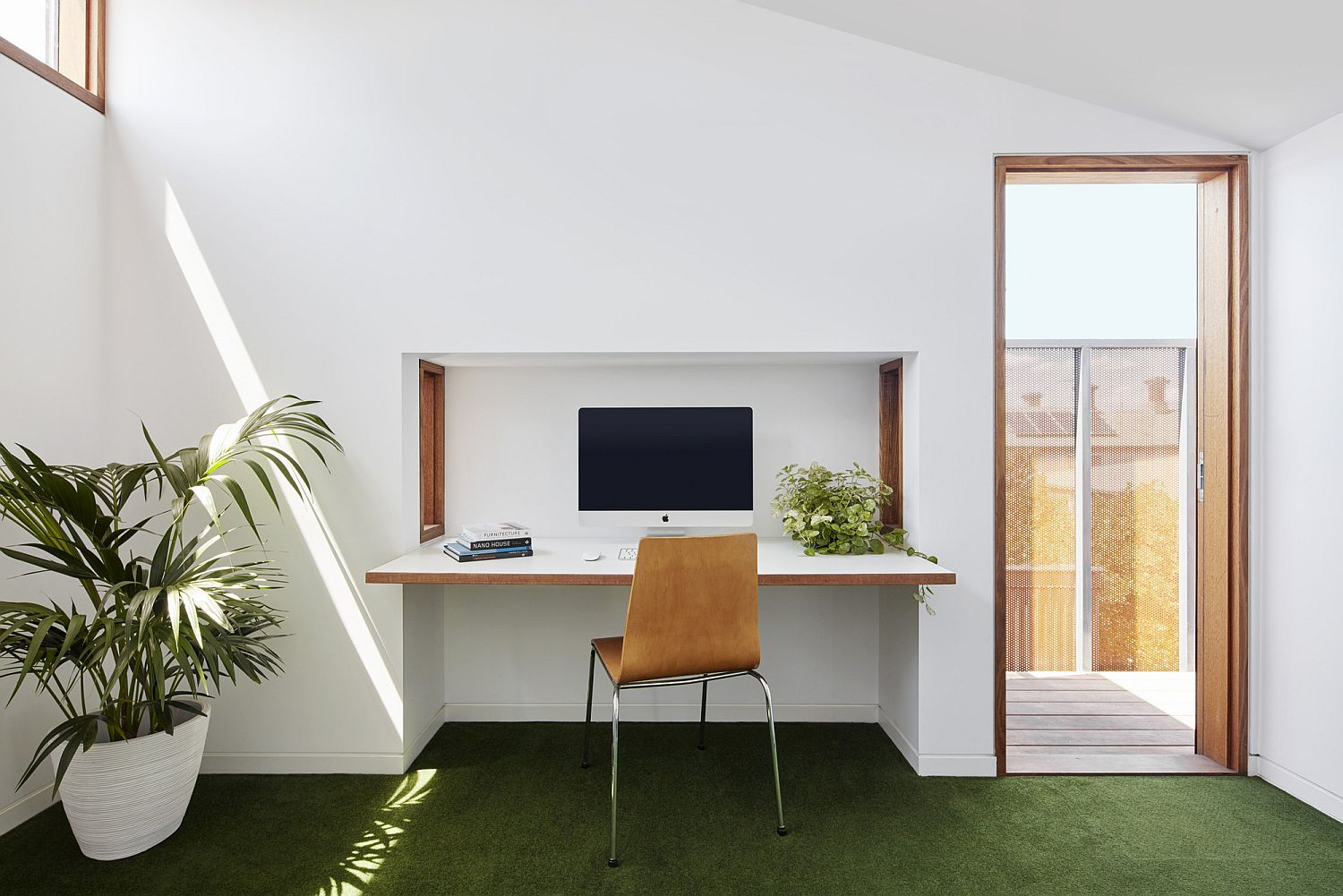 Comfortable-and-modern-home-work-space-with-a-desk-that-folds-away
