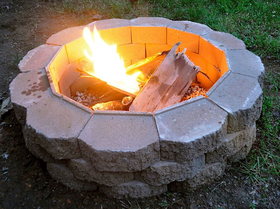 DIY fire pit using cinder blocks and sand