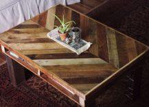DIY-pallet-wood-coffee-table-217x155