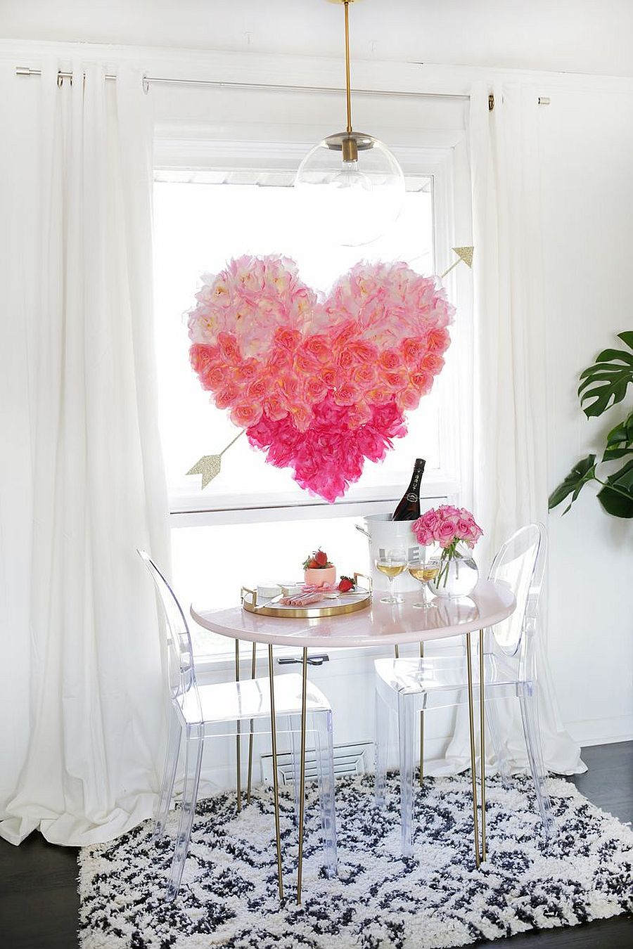 Hanging flower heart can also be used as a decorative addition throughout the year