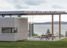 Lovely-overhang-adds-to-the-outdoor-deck-with-ocean-views-217x155