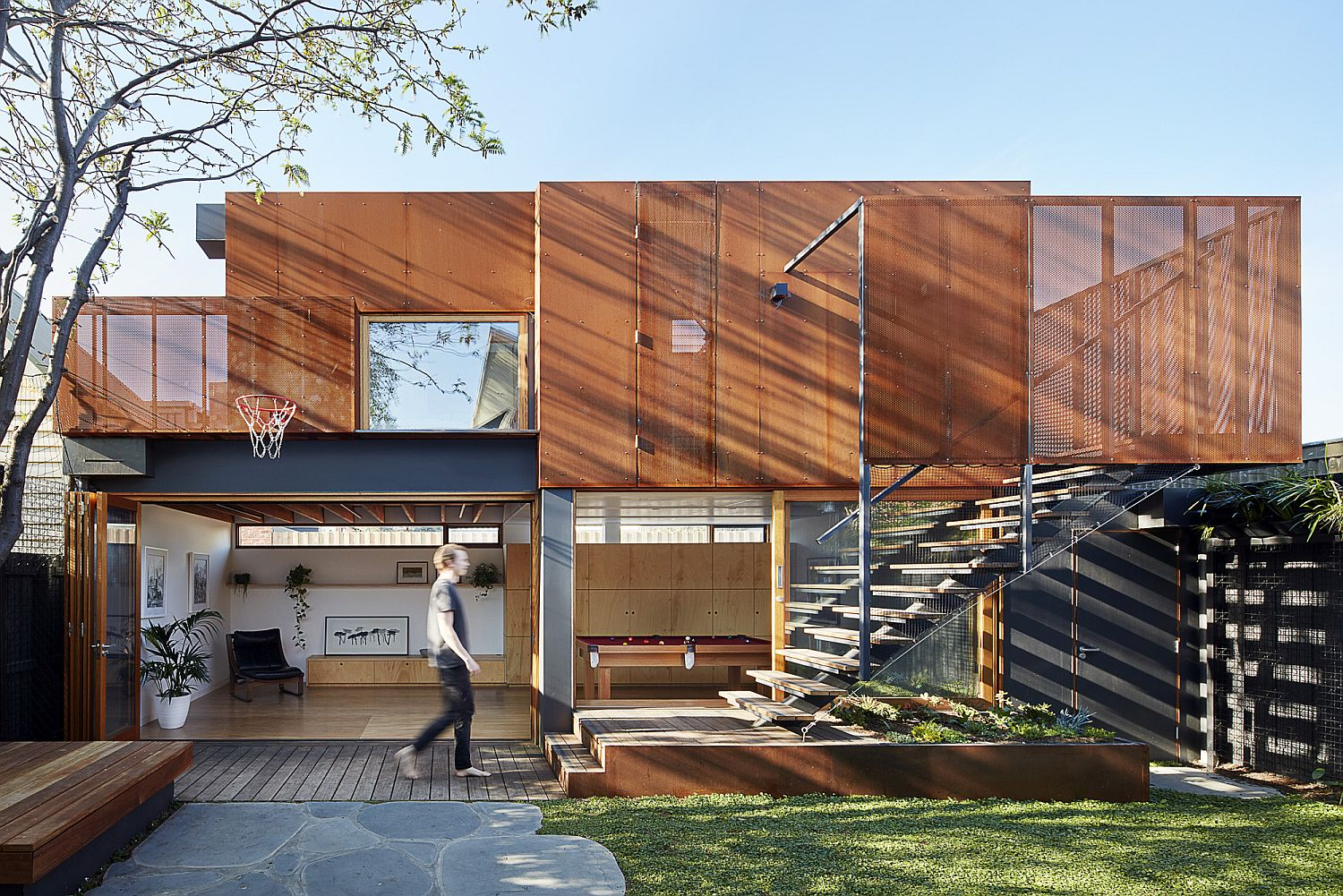 Metal and wood addition to family home in Melbourne