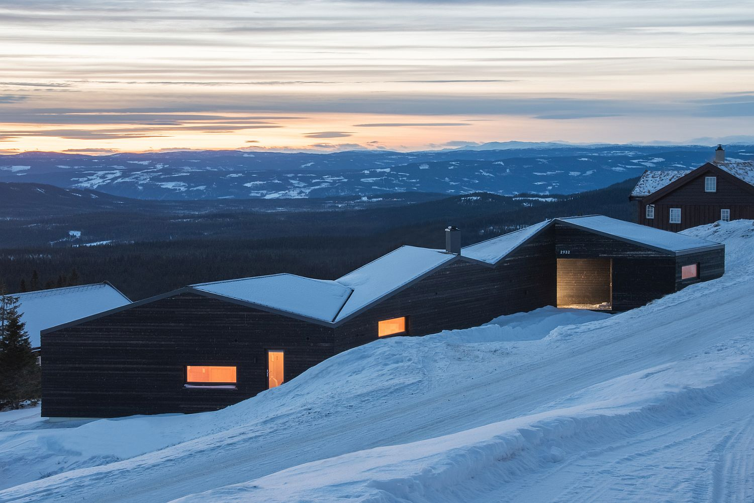 View In Gallery Modern Minimalism Meets Scandinavian Simplicity At The Cabin