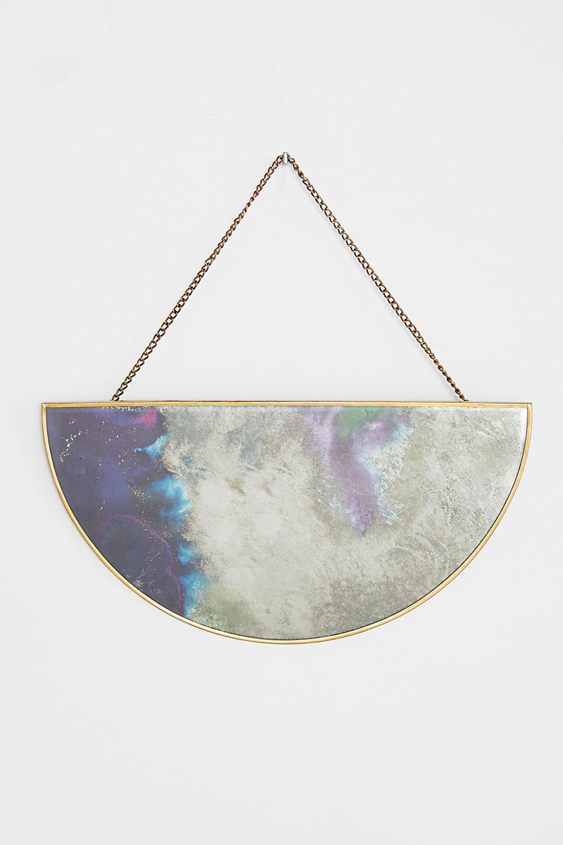 Modern-mirror-with-violet-tones