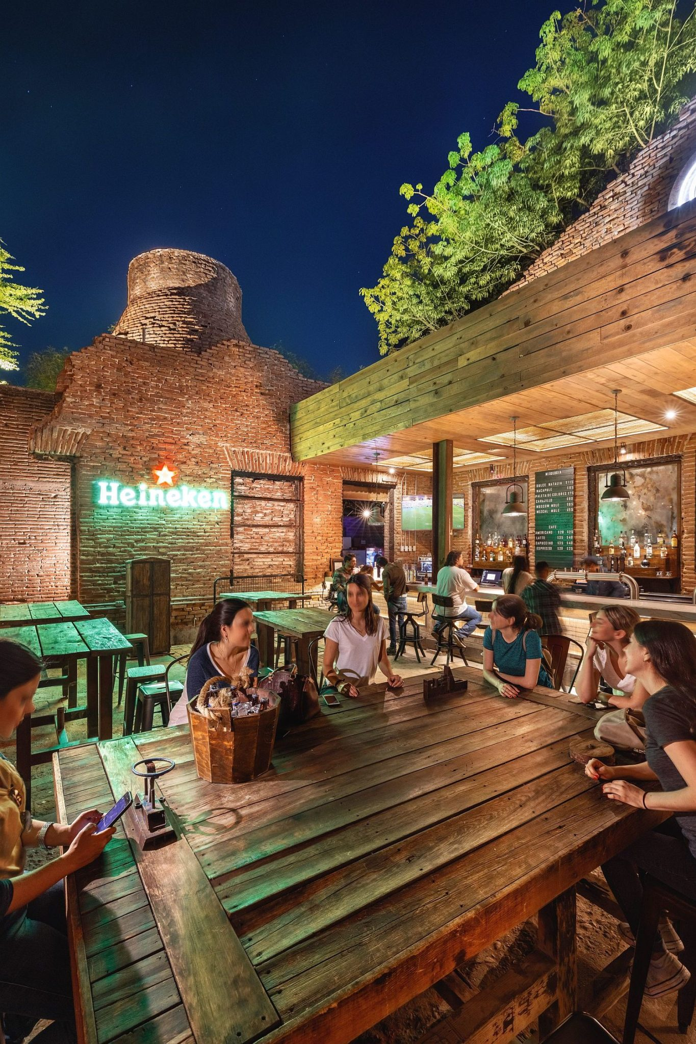 Old textile factory in Mexico turned into a fabulous and open bar