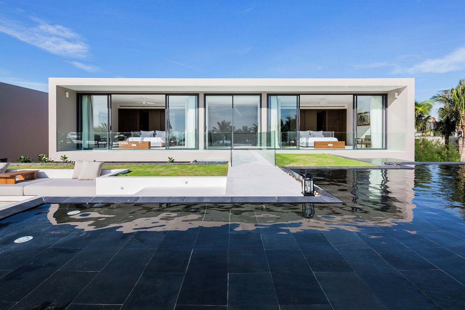 Series-of-water-bodies-and-gardens-outside-the-seaside-villas