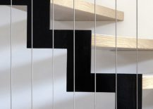 Simple-and-minimal-stairwya-connects-the-two-levels-of-the-house-217x155