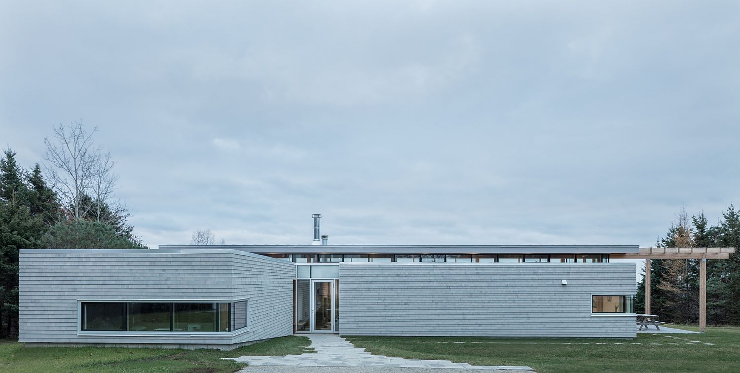 Slim and minimal exterior of the contemporary House in Scotch Cove