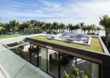 Stunning-contemporary-villas-with-a-stunning-view-of-the-beach-217x155