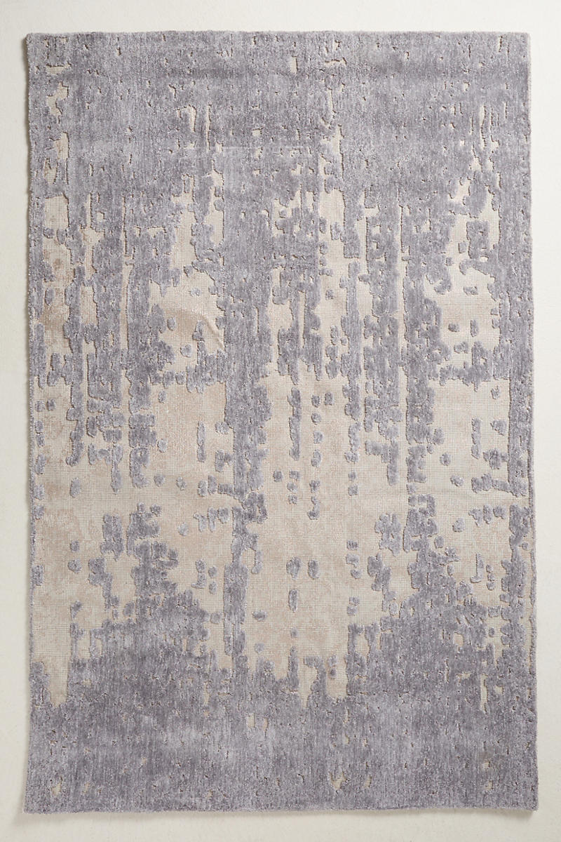 Tufted-rug-with-a-hint-of-violet