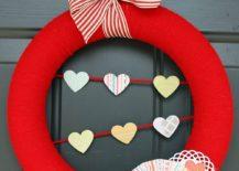 Valentine-burlap-wreath-in-brilliant-red-217x155
