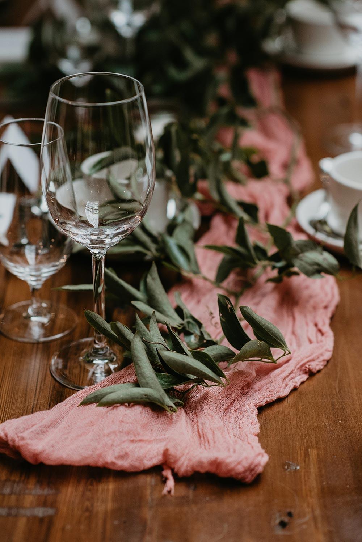 Blush-table-runner-idea