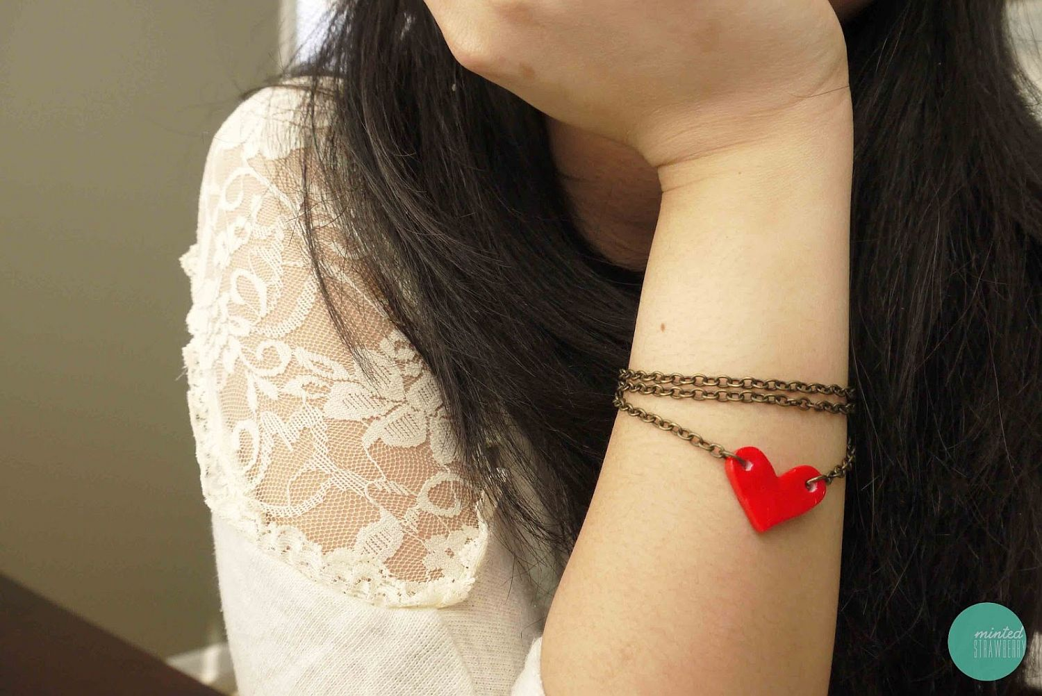 Cute and cuddly DIY heart bracelet for Valentine' Day