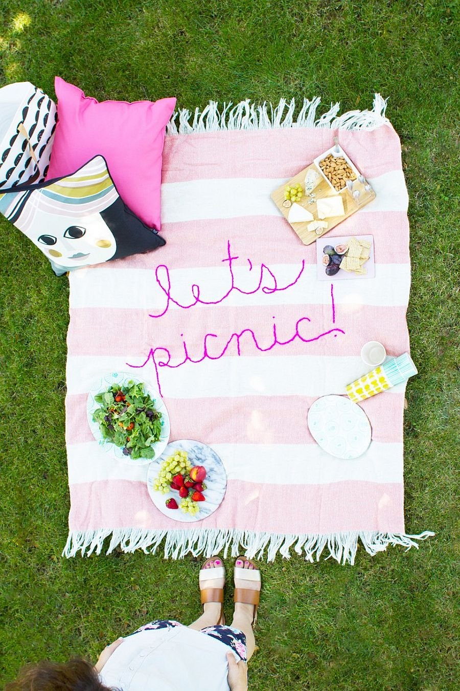 DIY Embroidery Picnic Blanket