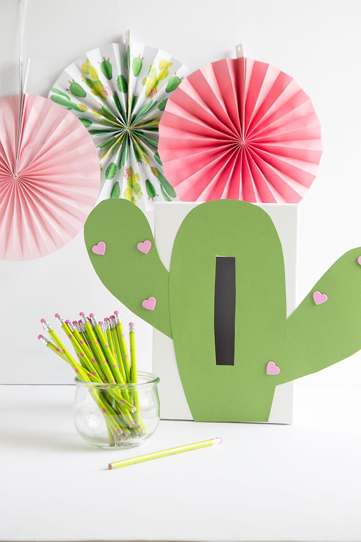 DIY Valentine heart box