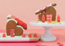 DIY-gingerbread-heart-houses-217x155