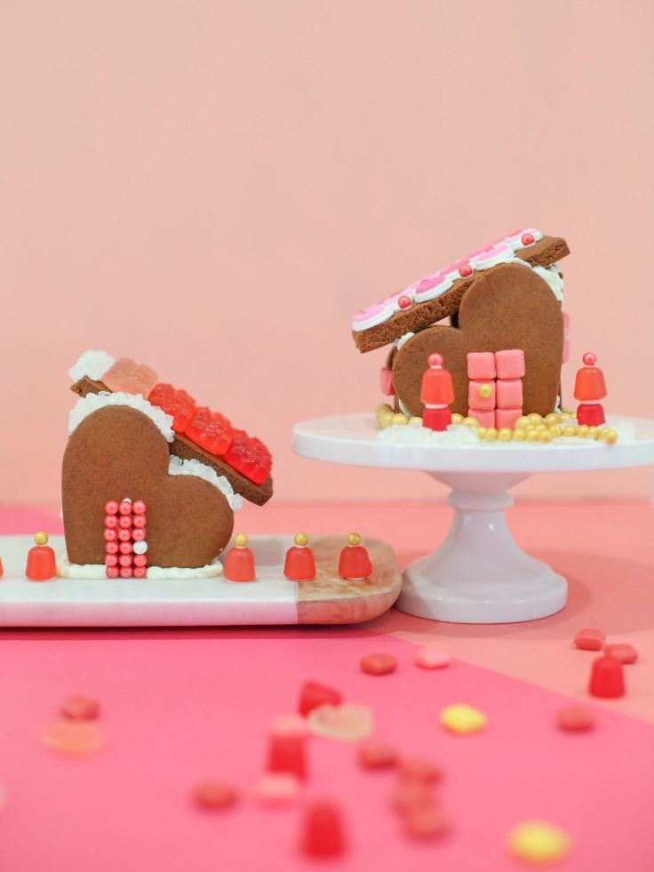 DIY-gingerbread-heart-houses
