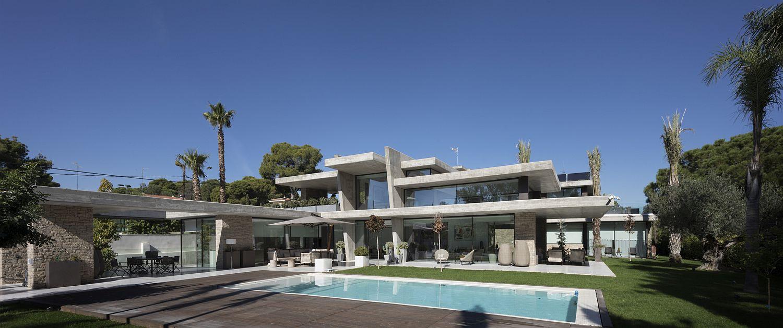 Fabulous and grand modern Spanish home