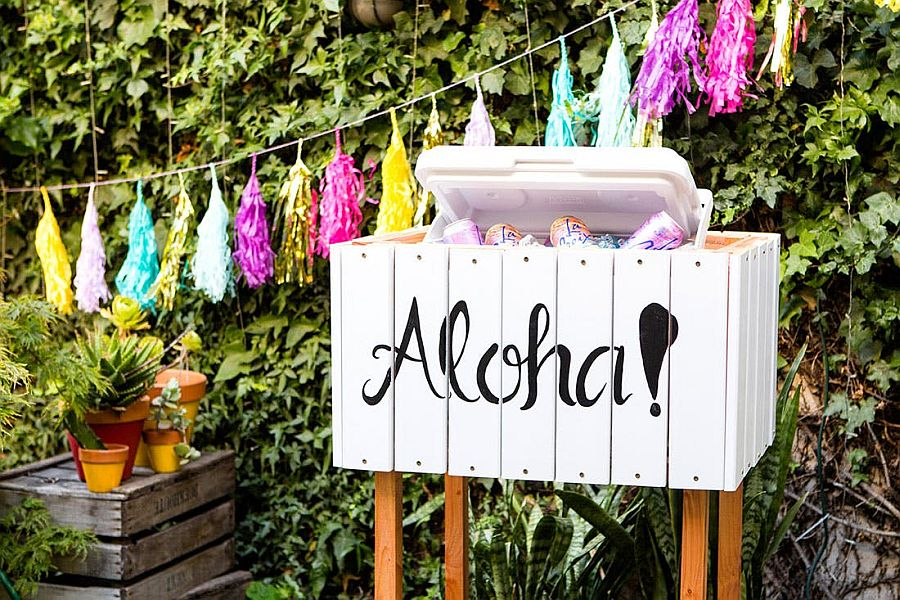 Fun Cooler Box for a relaxing picnic outdoors