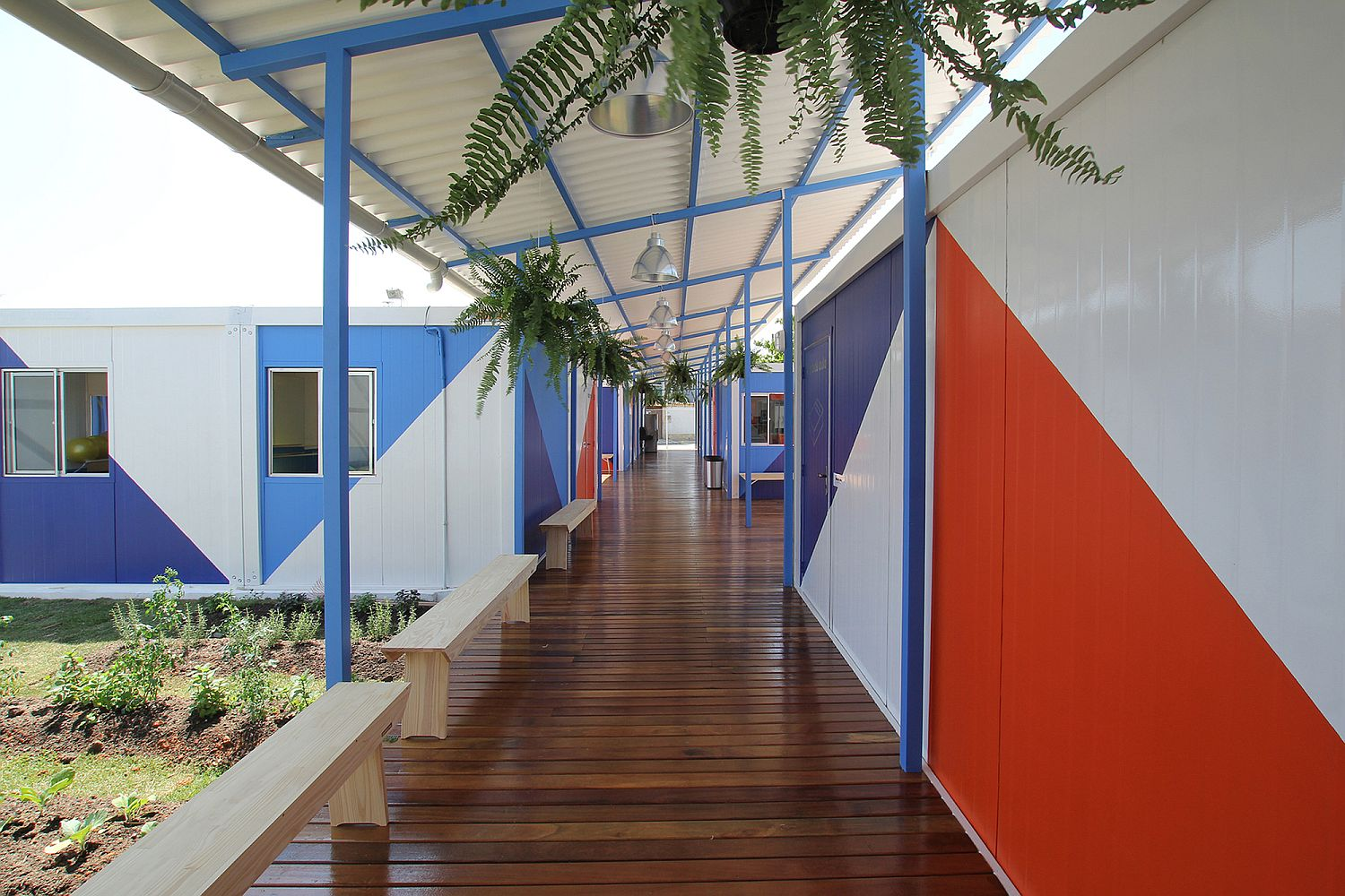 Long and sheltered corridors of the social center