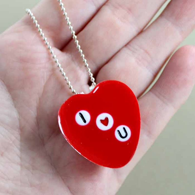 Making valentine's day I Love You Necklace