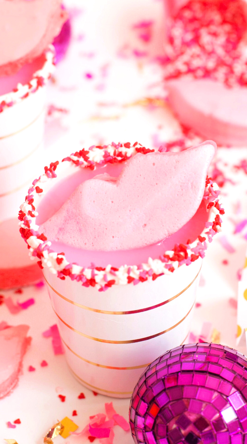 Marshmallow-lips-for-your-Valentines-Day-party