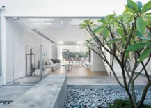 Minimal-and-bright-central-courtyard-of-the-modern-Hong-Kong-home-217x155