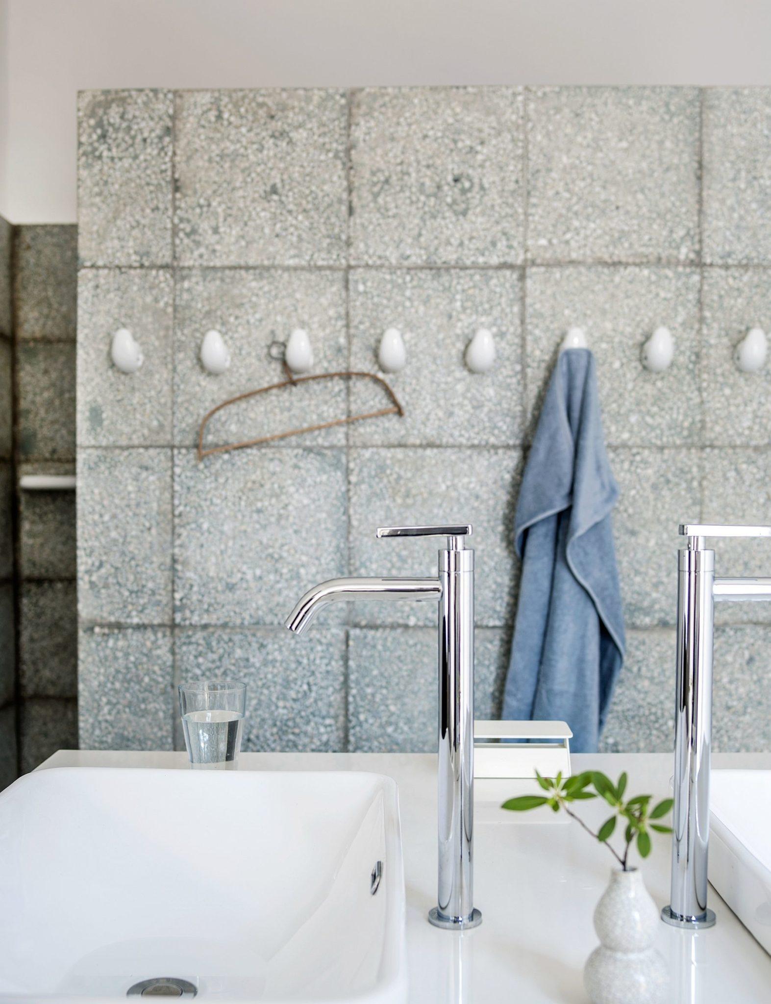 Modern rustic bathroom in white