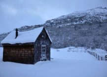 Natural-landscape-and-snow-clad-slopes-around-the-mountain-cabin-217x155