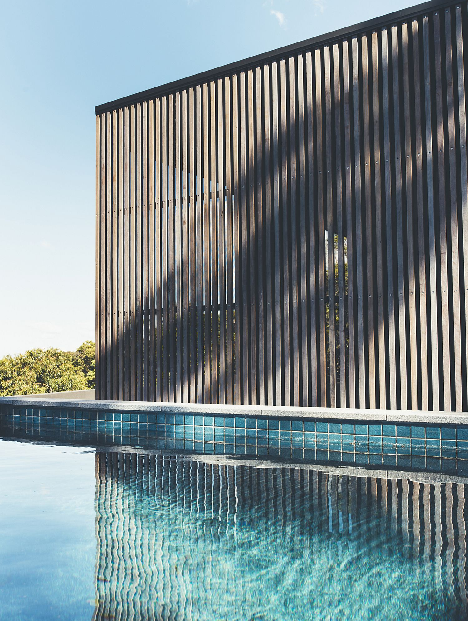 Simple and elegant pool of the Tinbeerwah House